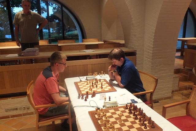 Mads Andersen vs. Thomas Larsen